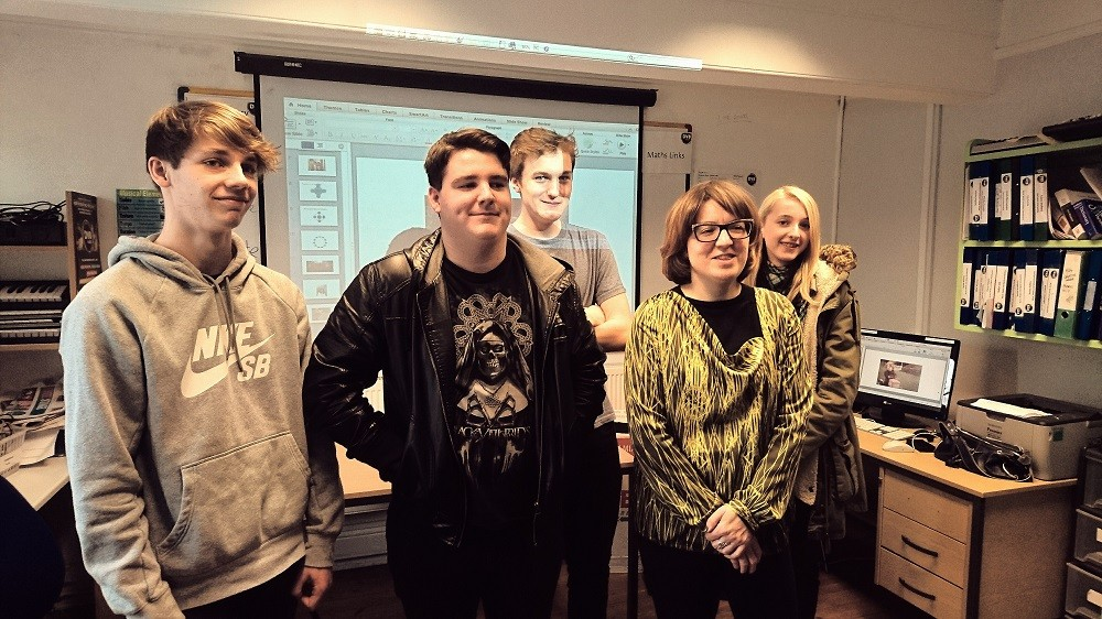 Anna Moulson from Melting Vinyl with Dv8 Live Events and Music students